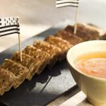 Galettes pour l'apéritif au jambon cru et crème d'artichauts