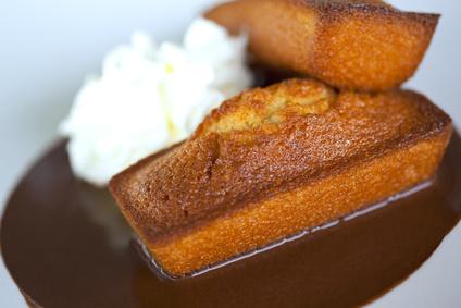 Mini quatre quarts fourr s au caramel au beurre sal recettes bretonnes - Recette caramel beurre sale breton ...