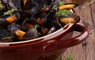 ma recette bretonne des moules marini res 100 breton. Black Bedroom Furniture Sets. Home Design Ideas
