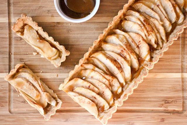 recette de la tarte aux pommes au caramel beurre sal recettes. Black Bedroom Furniture Sets. Home Design Ideas